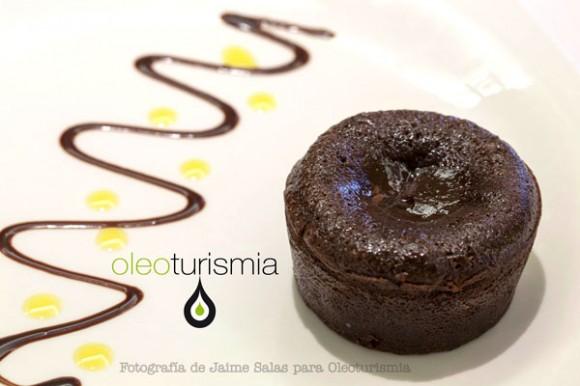5-Coulant-de-chocolate-amargo-y-lagrimas-de-aceite