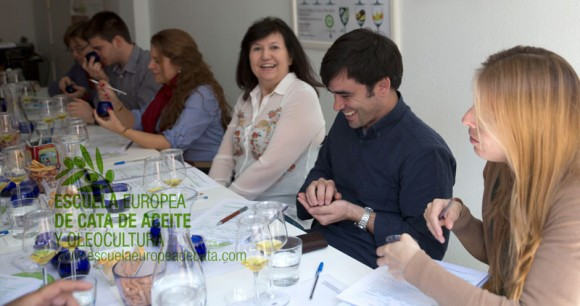 Curso Sumiller del Aceite de Oliva Virgen Extra.  Escuela Europea de cata de aceite. 12