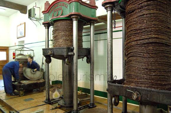 Oleoturismo en Madrid: Aceitera de Tielmes, almazara tradicional en pleno funcionamiento