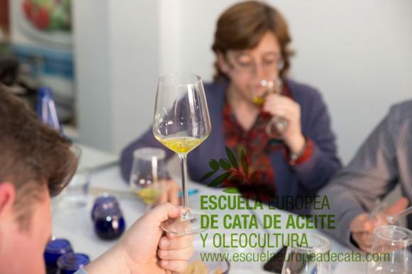 Curso-Sumiller-del-Aceite-de-Oliva-Virgen-Extra.--Escuela-Europea-de-cata-de-aceite.-16