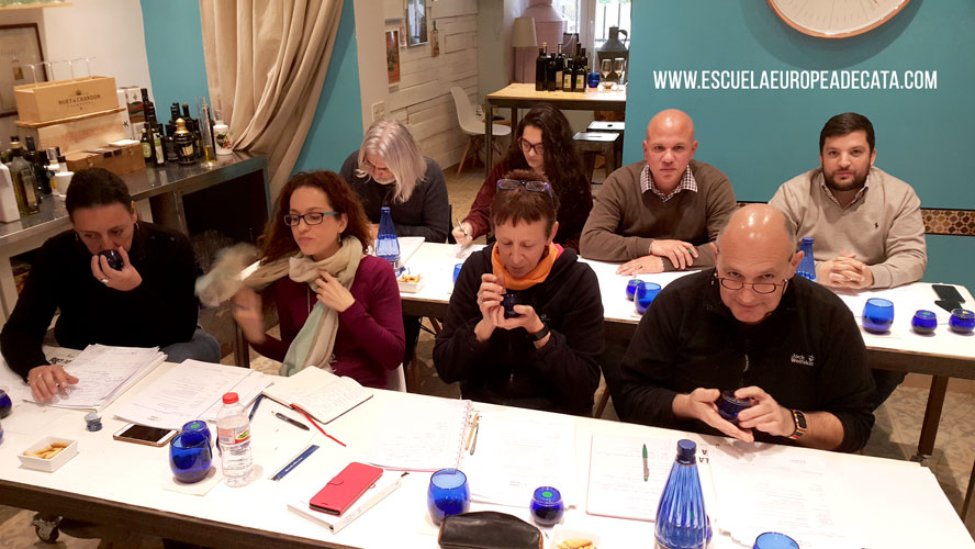 curso cata aceite-de-oliva-sommelier-oliveoil_1